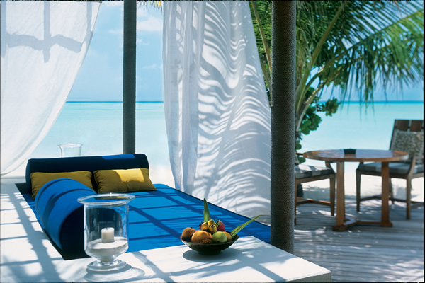 taj-exotica-resort-spa-maldives-beach