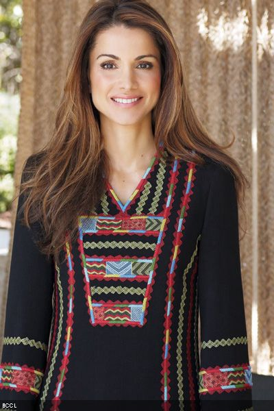 For-Rania-Queen-of-Jordan-social-activism-and-impeccable-style-go-hand-in-hand-She-is-chic-stylish-and-hot-And-yes-she-is-always-perfectly-dressed
