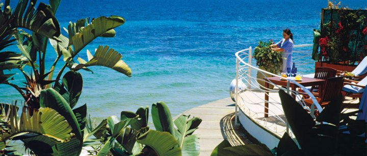 FV-Web_Beachcomber-Suite_Terrace_Ocean_940x400px